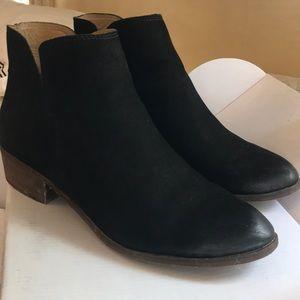 Splendid Hamptyn distressed suede booties black 9